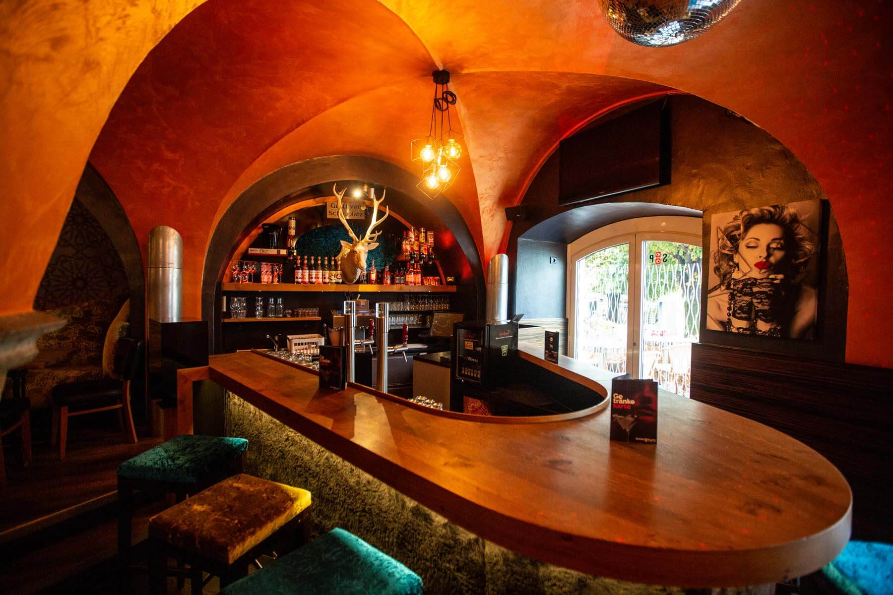 Cafe – Bar Schauplatz